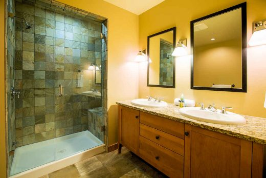 Red Mountain Resort Slalom Bathroom