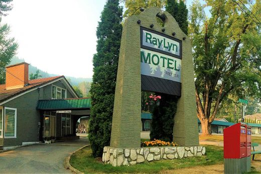 Ray Lyn Motel Frontage