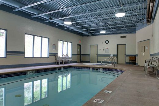 Glenwood Inn & Suites Pool