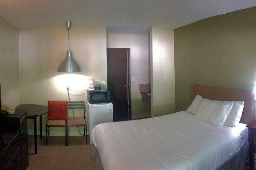 Ray Lyn Motel Single Bed Room