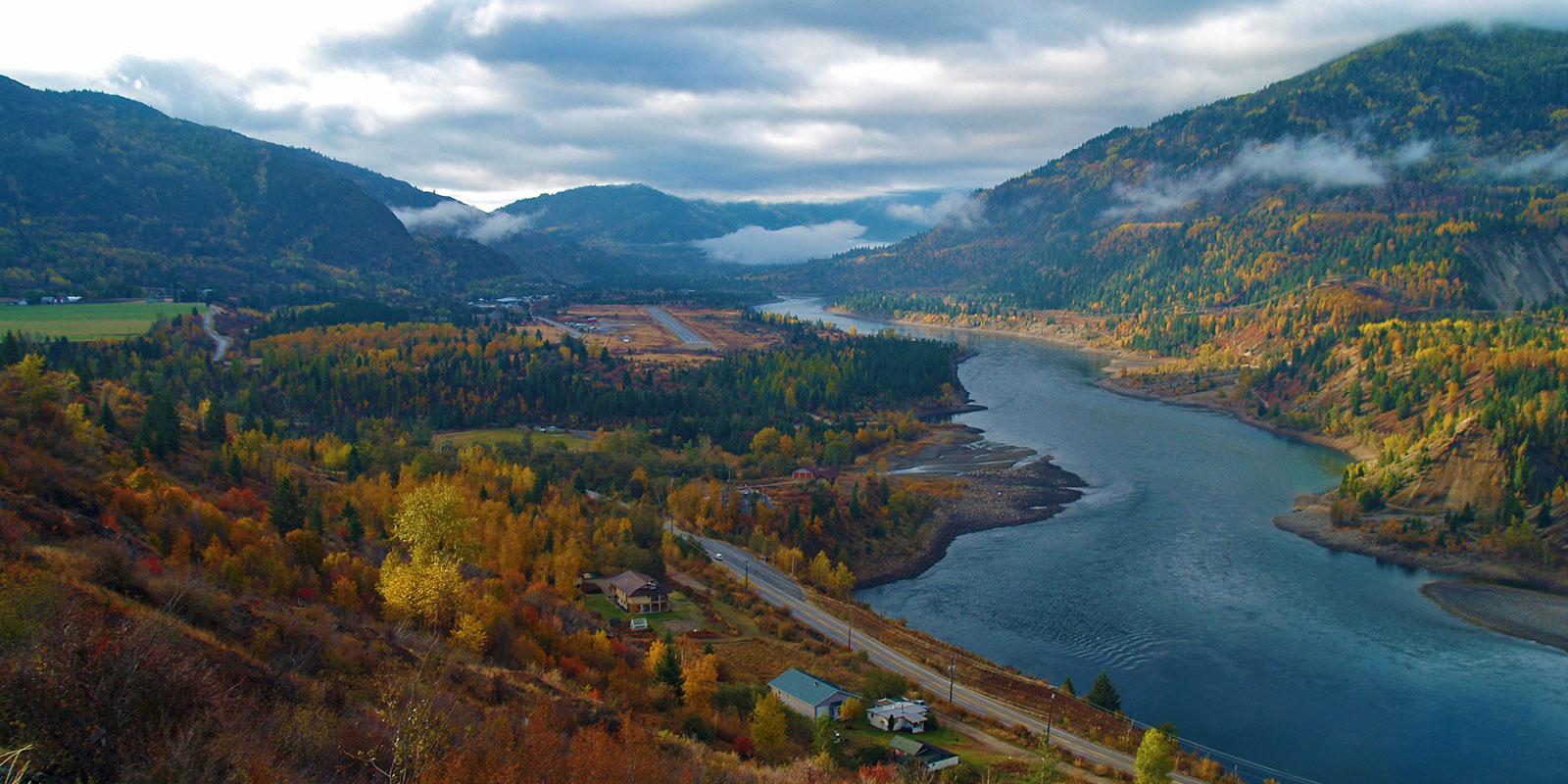 Main Columbia River Maps - Wanita in Fall